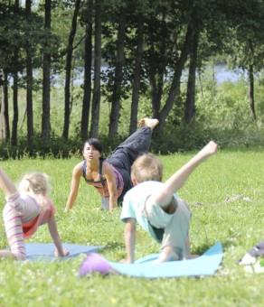 Mai Ram Yoga   šeimų jogos stovyklos