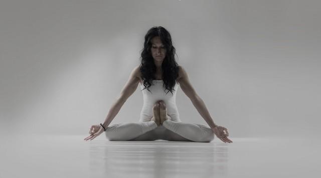 Guru Mai Ram | Kandasana