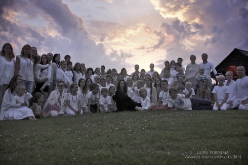 Guru Purnima Vasaros jogos stovykla 2014