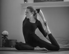 Mai Ram Yoga Jogos mokytojas Evelina Sarasvati Ram
